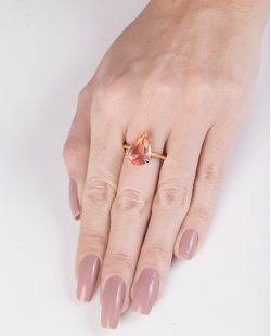 Anel de metal dourado com pedra rainbow rosa Switch