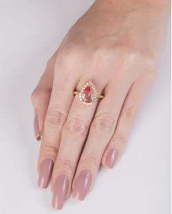 Anel de metal dourado com pedra rainbow rosa Drake