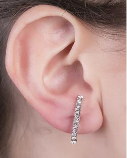 Ear hook de metal grafite com strass cristal Felp
