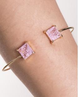 Bracelete de metal dourado com pedra fusion rosa Peggy