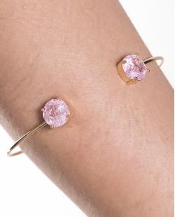 Bracelete de metal dourado com pedra fusion rosa Jessy