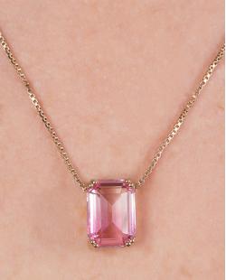 Kit colar mais brinco de metal dourado com pedra rainbow rosa Rebecca