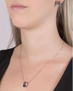 Kit colar mais brinco de metal dourado com pedra raibow azul Susie