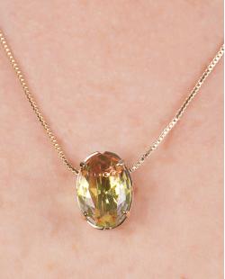 Kit colar mais brinco de metal dourado com pedra raibow arco-íris Susie