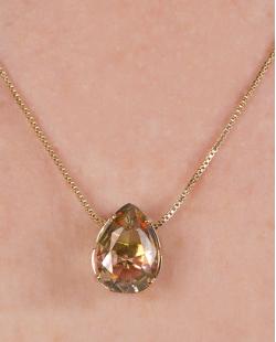 Kit colar mais brinco de metal dourado com pedra raibow arco-íris Jennifer