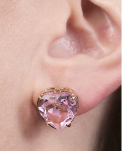 Brinco pequeno de metal dourado com pedra rosa Maya