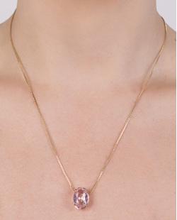 Colar de metal dourado com pedra rosa Alana