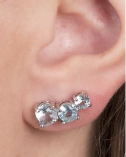 Ear cuff de metal prateado com pedra turquesa jazz