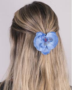 Presilha de flor azul lily