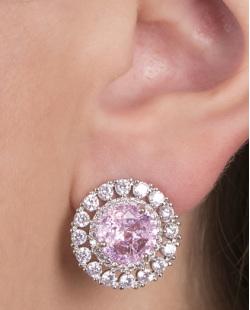 Brinco pequeno de metal prateado com pedra rosa Charlotte