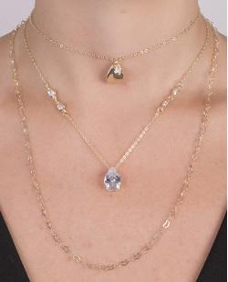 Kit 3 colares de metal dourado com pedra cristal Anaia
