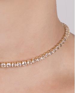 Gargantilha choker de metal dourado com pedra cristal Hera