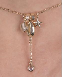Kit 3 colares de metal dourado com pedra cristal e búzios Maris