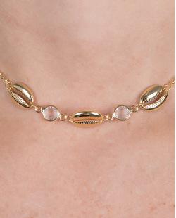 Gargantilha choker de metal dourado com pedra cristal e búzio Jane