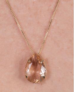 Colar de metal dourado com pedra rosé tata