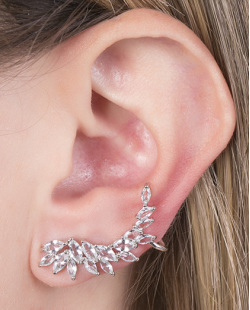 Ear cuff de metal prateado com pedra azul smith