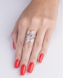 Anel de metal prateado com pedra cristal Betina