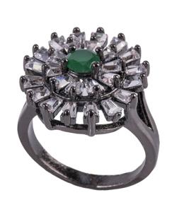 Anel de metal grafite com strass cristal e pedra verde Noemi
