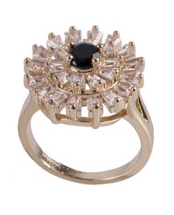 Anel de metal dourado com strass cristal e pedra preta Noemi