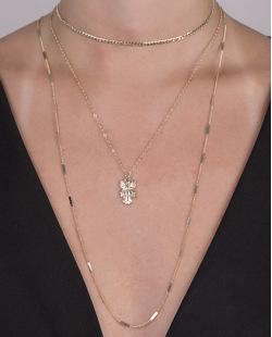 kit 3 colares de metal dourado Elana