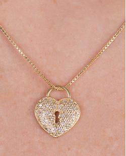 Colar de metal dourado com strass cristal Hana