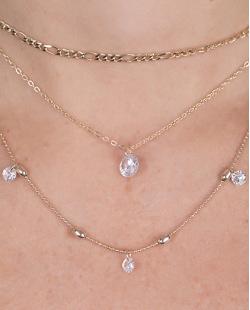 Kit 3 colares de metal dourado com pedra cristal Joana