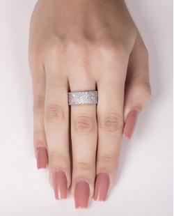 Anel de metal prateado com strass cristal tata