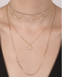 Kit 3 colares de metal dourado com pérola Perry