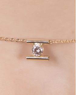 Kit 3 colares de metal dourado com strass cristal Whitney