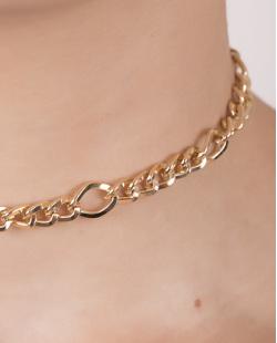 Gargantilha choker de metal dourado vivian
