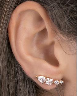 Ear cuff de metal dourado com pedra cristal Julieta