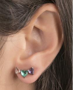 Ear cuff de metal grafite com pedra rosé, verde e roxa Evelyn