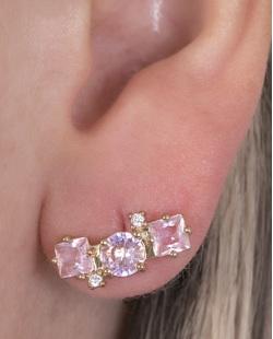 Ear cuff de metal dourado com pedra rosa Bullock.