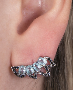 Ear cuff de metal grafite com pedra azul e strass preto Aniston