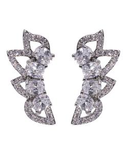 Ear cuff de metal prateado com pedra cristal Aniston