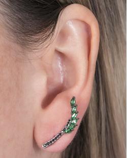 Ear cuff de metal grafite com pedra verde e strass preto Angelina