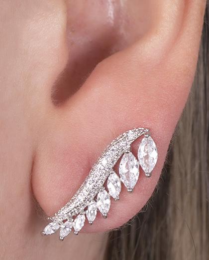 Ear cuff de metal prateado com pedra cristal Scarlett