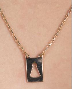 Colar de metal dourado com pedra rosé Loubert
