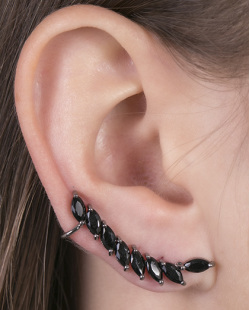 Ear cuff de metal grafite com pedra preta Becky