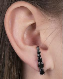 Ear hook de metal grafite com pedra preta Louse