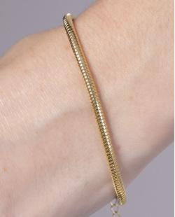 Pulseira de metal dourado Yanna
