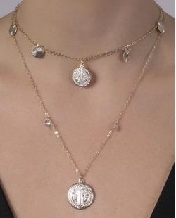 Kit 2 colares de metal dourado com pedra cristal Eduarda