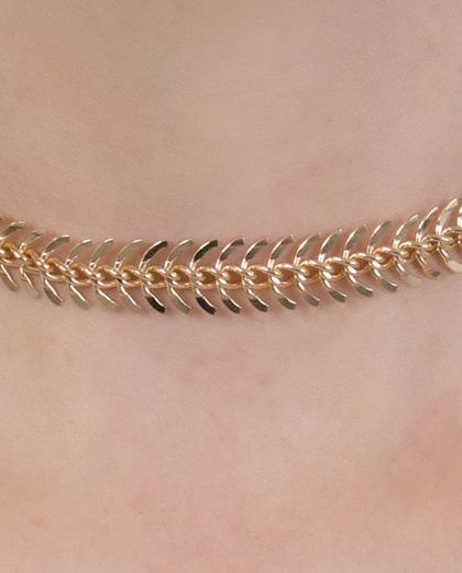 Gargantilha choker de metal dourado Lisiane
