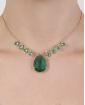 Colar de metal dourado com pedra verde Ivone