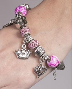 Pulseira de metal prateado com pedra rosa Juçara