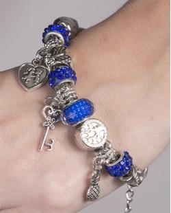 Pulseira de metal prateado com pedra azul Berenice