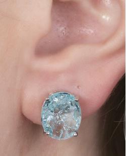 Brinco pequeno de metal prateado com pedra fusion azul Viviane