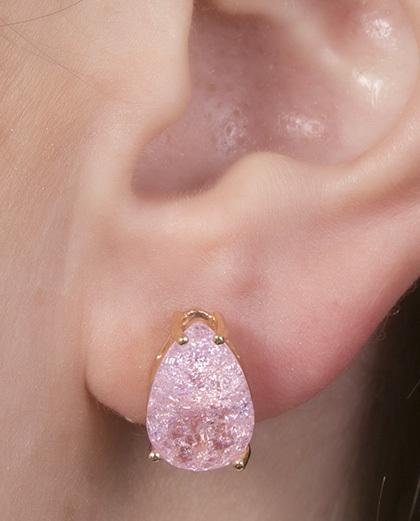 Brinco pequeno de metal dourado com pedra fusion rosa Joseane