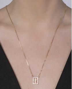Colar folheado de metal dourado com strass cristal Maísa