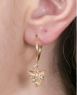 Argola de metal dourado com pedra cristal Helena
